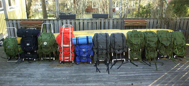 Sedan tillkommer ytterfickorna och en två ev. packpåse! ! ) Med  ramförlängare och dubbla packpåsar talar vi om bortåt 150+ liters  packvolym. Men varför !  43c420fd014ba