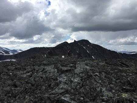 61696dfd204f ... 100 procent med kartan (FK-01); den smala ryggen mellan 1810 och  Höktopp 1888 är verkligen helt omöjlig att vandra över - den kräver alpin  klättring.